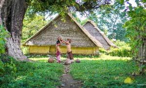 Bau Nyale Tradisi Sakral Menangkap Cacing Laut Lombok