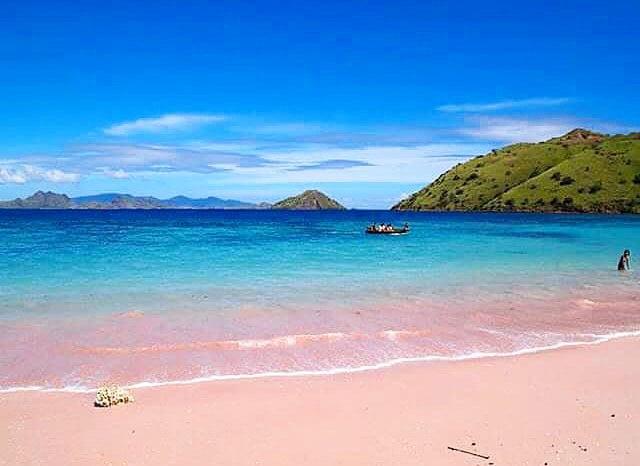 Keindahan pantai lombok, pertimbangan sewa mobil lepas kunci di Lombok, ig meli_tjen