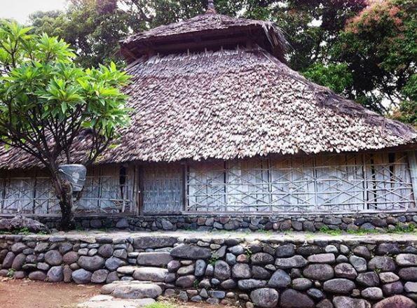 Inilah 4 Obyek Wisata Sejarah di Pulau Lombok Yang Menarik