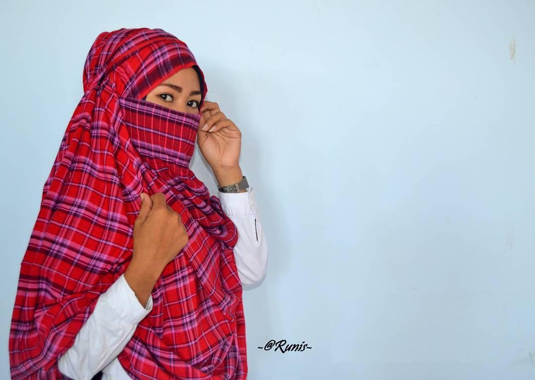 Rimpu, Pakaian Muslimah Suku Mbojo – Bima, Nusa Tenggara Barat