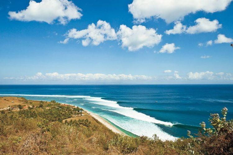 Pantai Bangko-Bangko (Desert Point Beach) Lombok