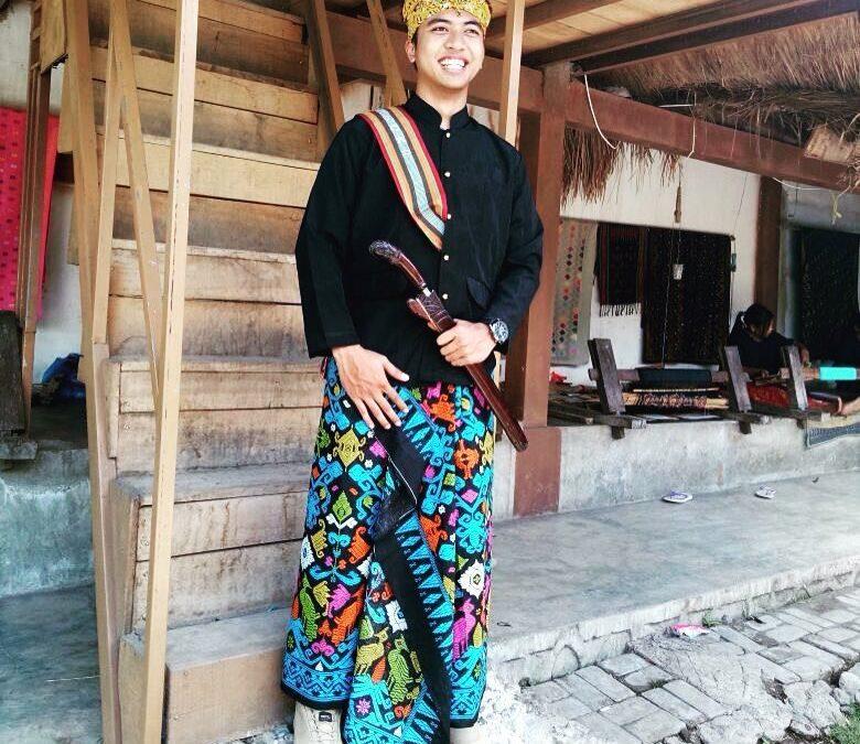 6 Perlengkapan Adat Pria Suku Sasak