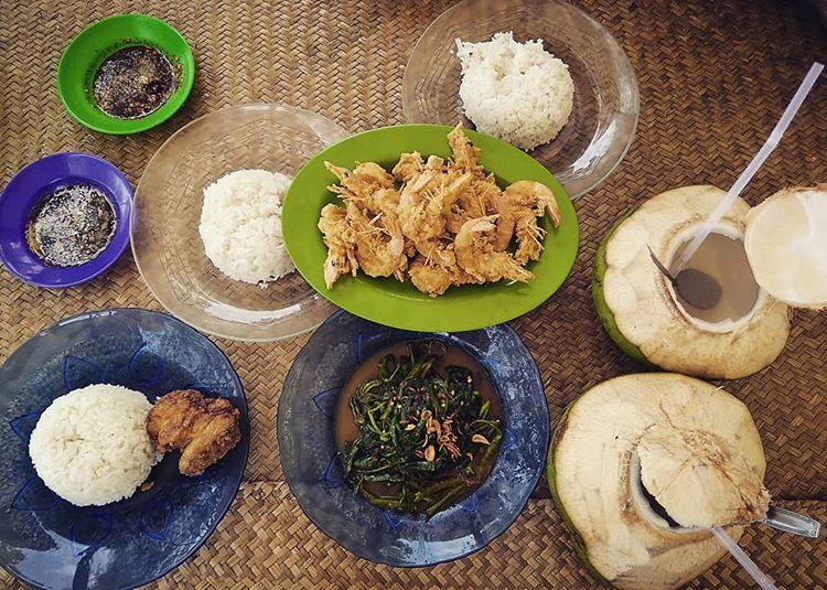Kuliner di Pantai Nipah, sumber ig dona.sirait