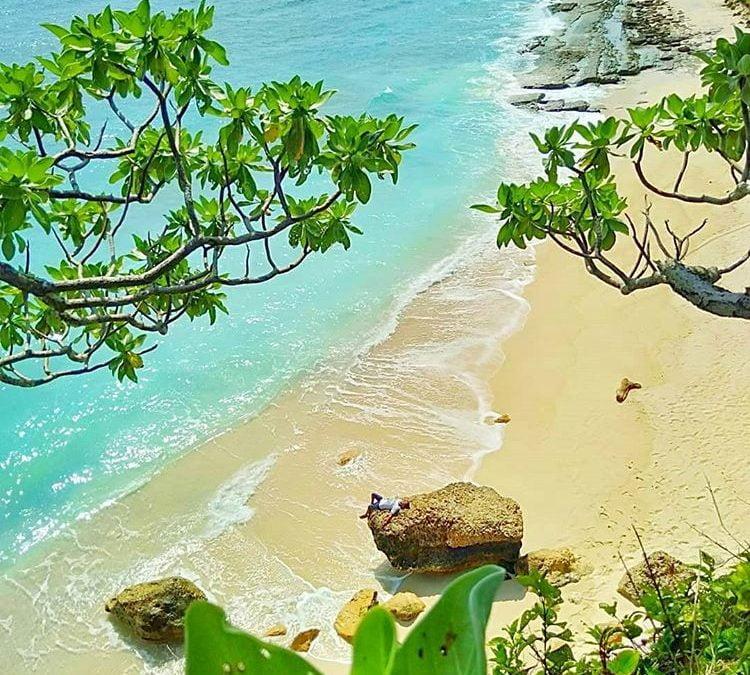 Inilah Pesona Pantai Ekas di Lombok