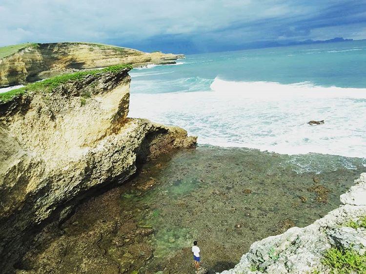 Pantai Penyisok, sumber ig ricky_sakre