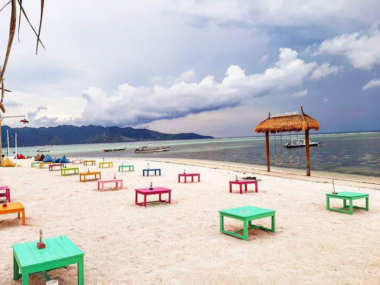 Pantai di Gili Air, sumber ig esteer_martin