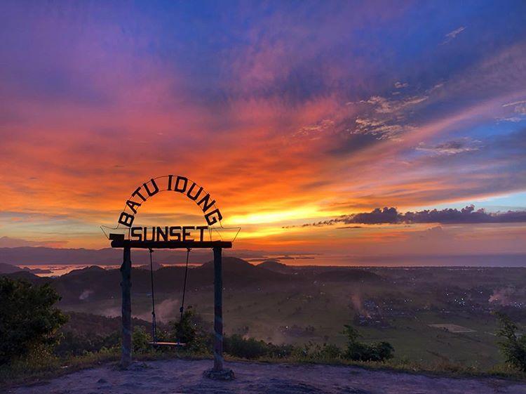 Sunset di Bukit Batu Idung, sumber ig agungrinjani