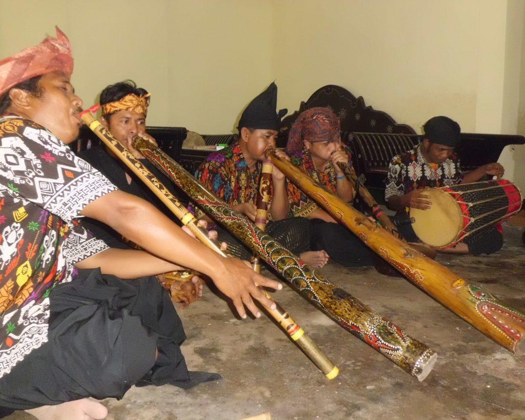 Alat Musik Suku Sasak